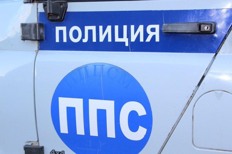 В Зеленчукской задержан трактор перевозивший лес без документов