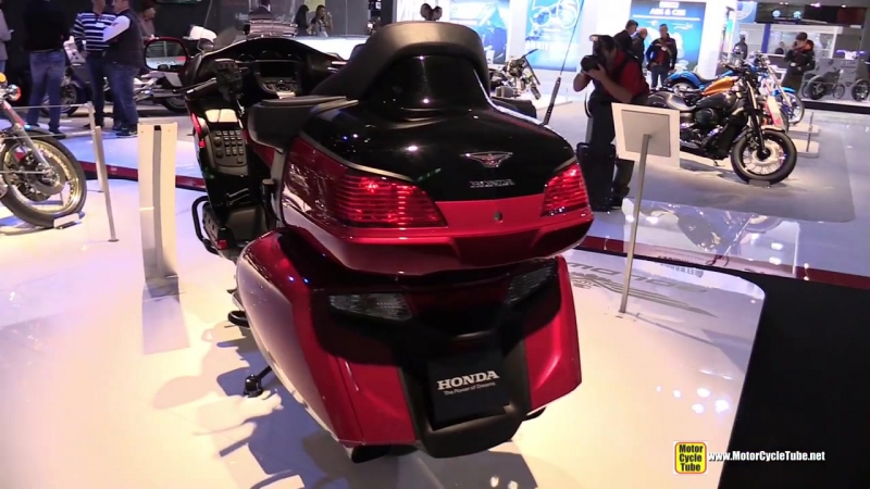 2015 Honda Gold Wing GL1800 40th Anniversary Edition » Freewka.com - Смотреть онлайн в хорощем качестве