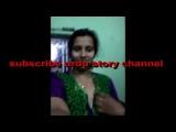 pakistani aunty show her boobs inaelfi video or kasi masti kar rhi hy