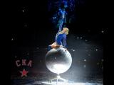 Предматчевое шоу - девушка на шаре