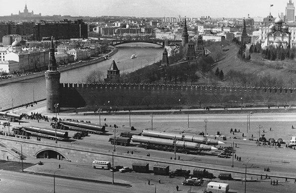 После парада. 1952