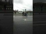 Атака вЛондоне: Автомобиль задавил несколько человек наВестминстерском мосту