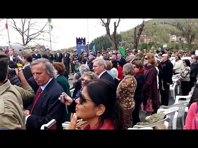 Crianças italianas cantando o hino da FEB (forças expedicionárias brasileiras)