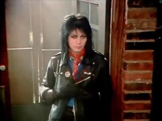 Joan Jett and The Blackhearts -  I Love Rock N Roll (1982) (с русскими субтитрами)