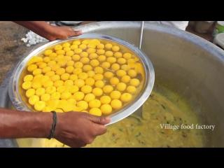 Уличная еда в Индии (яичница)