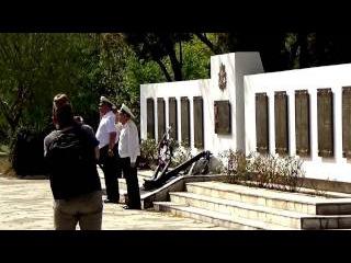 Возложение цветов к памятнику курсантам, погибшим в годы Великой Отечественной ...