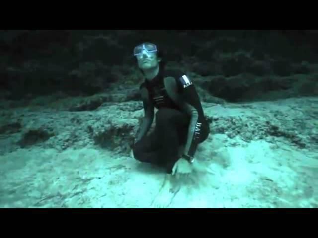 Голубая дыра на Багамах, прыжок в 202 метра без кислорода и страховки-