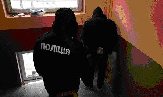 «На гарячому» затримали грабіжників, яких підозрюють у серії крадіжок в областях України