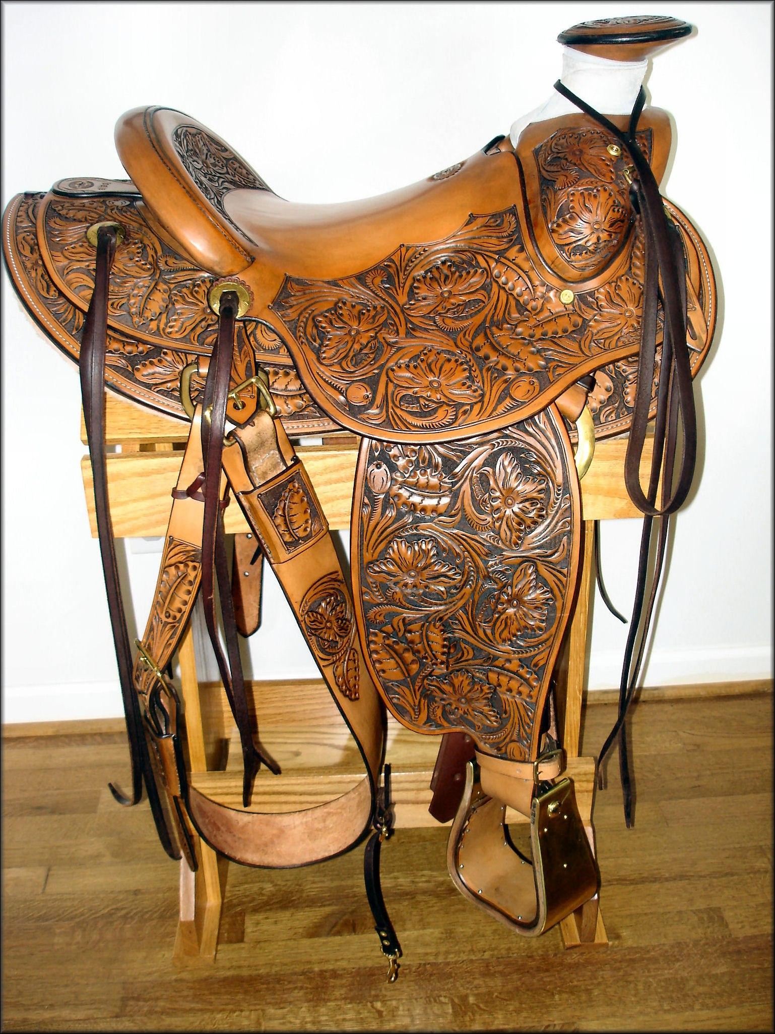 Для лошадей седло своими руками