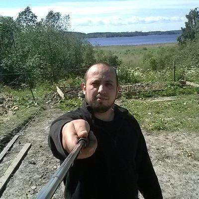 Александр Ахатбеков