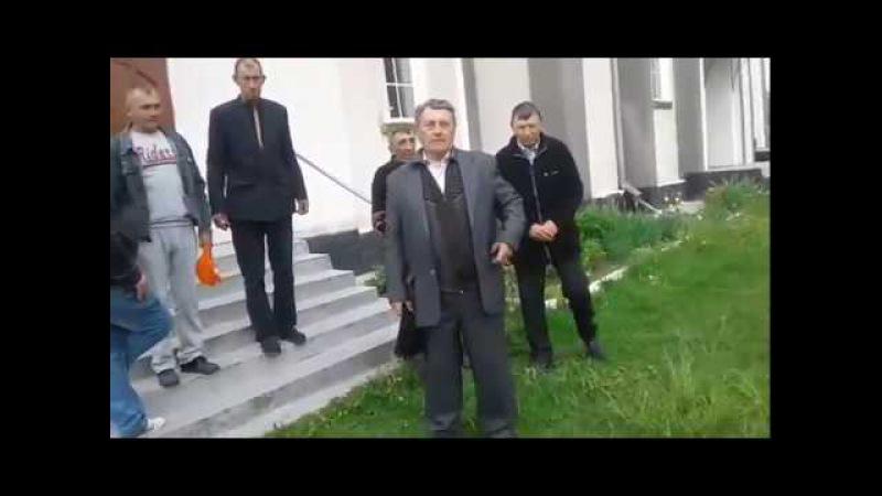 У Кинахівцях прихильникик Київського патріархату незаконно захопили храм УПЦ
