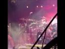 """Queen + Adam Lambert """"Tie Your Mother Down"""" ending"""
