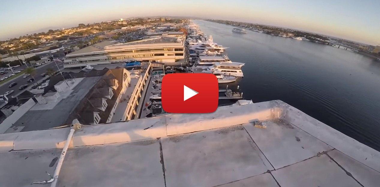 Прыжок с крыши высотки в воду (ВИДЕО)