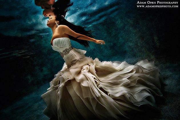 Подводная, свадебная фотосессия (6 фото)