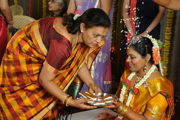VSnLrayrj8k - Роль традиций в свадебной культуре Индии