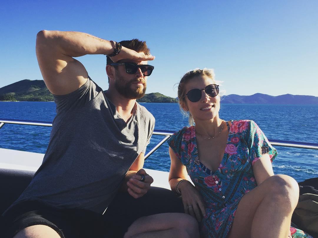 YxiqP4VFYn4 - Крис Хемсворт и Эльза Патаки: вместе и навсегда?