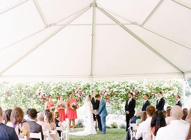 zAVfhkbtu9w - Свадьба, согретая июньским солнцем (45 фото)