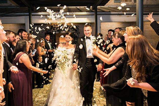 RE2sHUKHJ4 - Осенняя свадьба в белоснежном стиле (12 фото)
