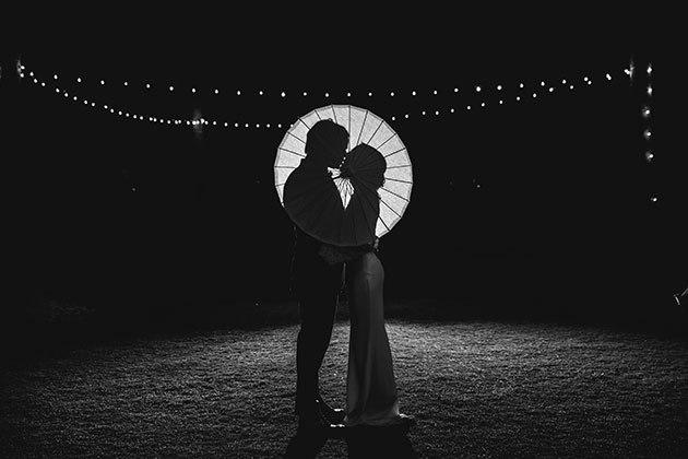 8h0PwsgbWAU - Свадьба на берегу моря (23 фото)