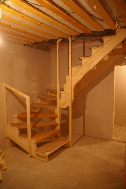 Лестница на второй этаж своими руками из дерева с фото 45