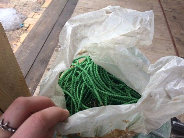 Помогите с решением) Папа привозит с работы вот такие мешки с веревкам