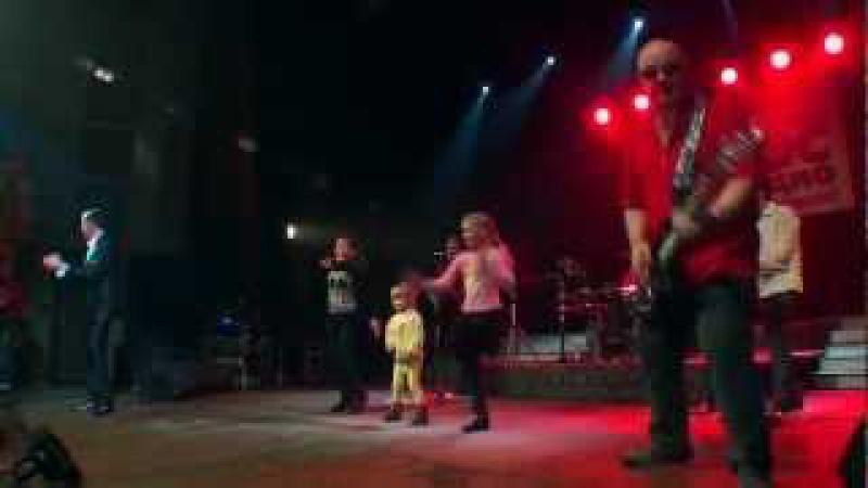 Концерт 8 марта 2012 года г. Вологда Розы алые (HD)