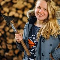 Надя Колоярцева