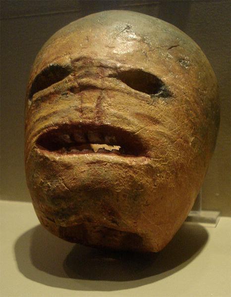 Вырезанный из турнепса светильник Джека, начало XX века. Музей традиционной жизни, Ирландия