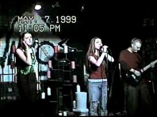 May Lees — BIQLE Видео