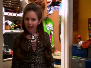 Actress Ryan Newman Behind The Scenes of Zeke and Luther