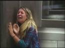 Розыгрыш в лифте с покойником в гробу