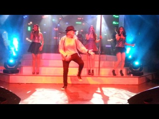 In Demand feat. Sasha performance Michael Jackson's set