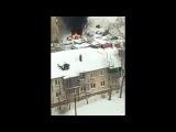 Тракторист снегом потушил горящий автомобиль в Алтайском крае