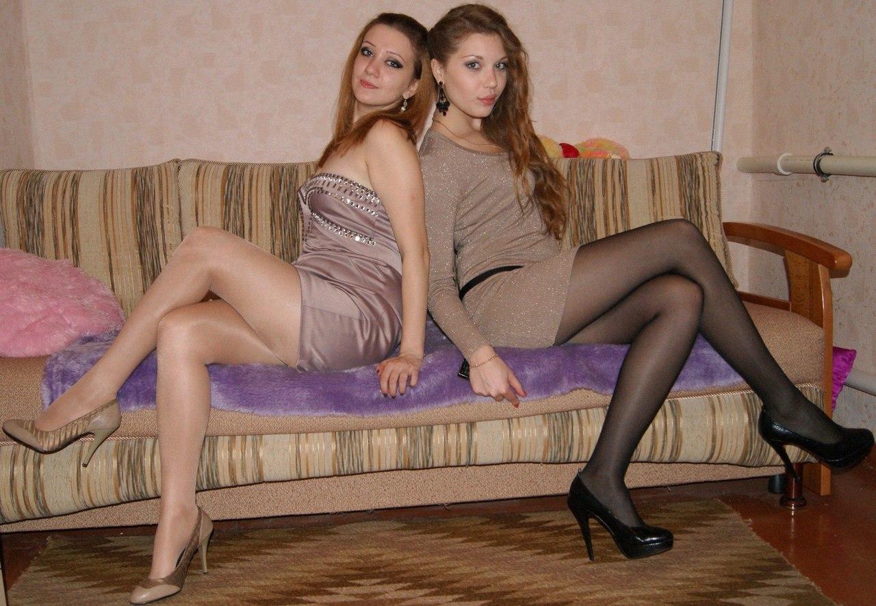 Scissoring ebony and ivory lesbians