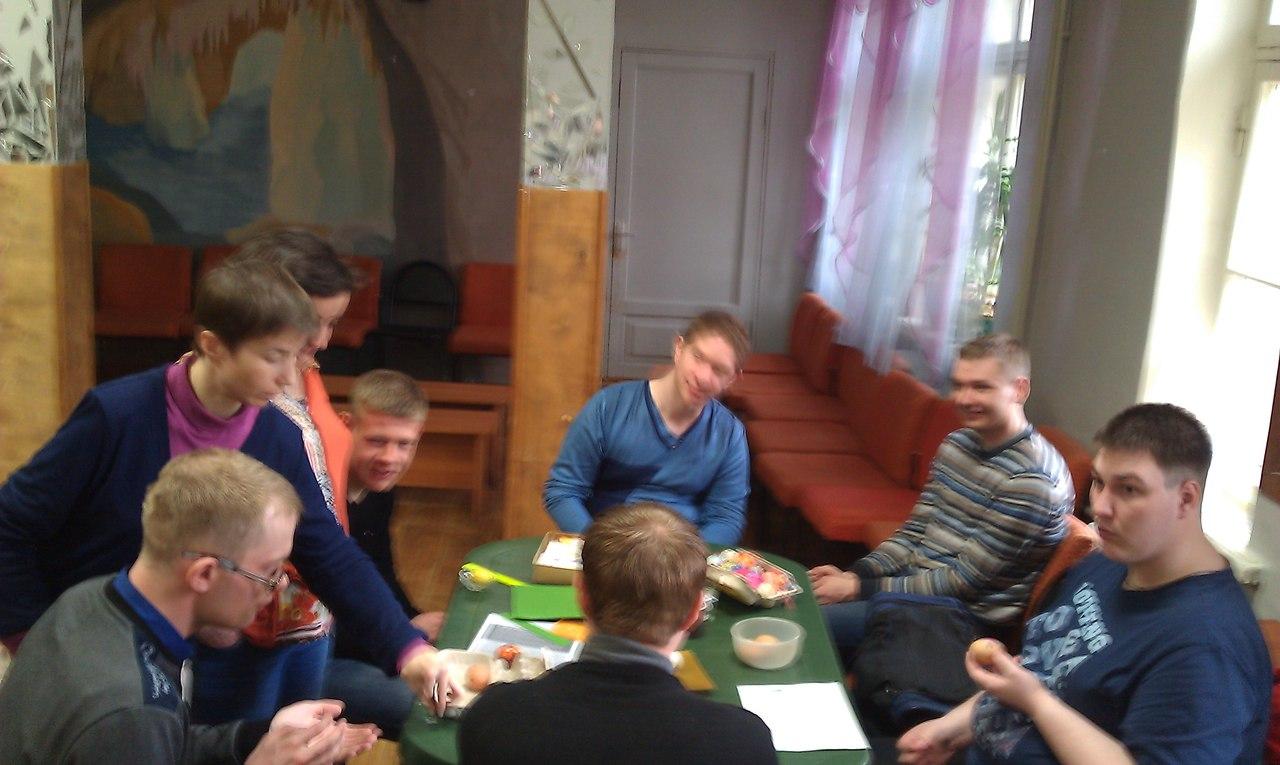 В клубе ВЕРА прошёл мастер-класс по декорированию пасхальных яиц