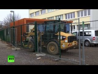 Жители Лейпцига построили забор для защиты от беженцев