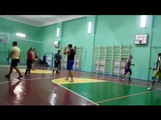 Видео Волейбол в Киеве Святошин1