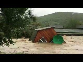 В Приморье экстренно эвакуируют жителей затопленного поселка Светлая. Новости. Первый канал