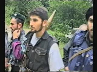 Война в Чечне. В памяти погибшего брата Касума и в памяти всех умерших сыновей, отцов, братьев. В памяти всех самых лучших....