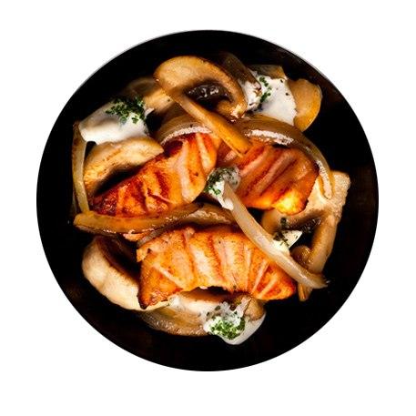 Заказать Лосось обжаренный с грибами с доставкой на дом в Серпухове, Суши-бар ТАЙХЕО
