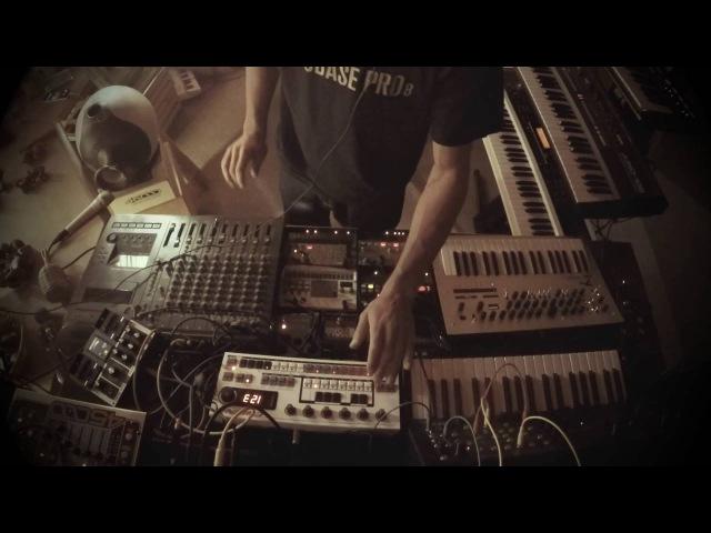 Dub Techno Session 7 (hardware percussion)