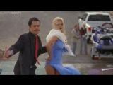 Памела Андерсон (Pamela Anderson) засветила трусики -