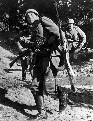 the role of poland in the second world war The poland that emerged from the war, as evidenced by postwar attacks on jewish survivors, lacked the diversity that had been essential to polish culture on the eve of the second world war jews had been living in poland since at least the middle ages.