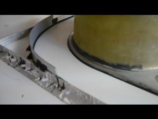 Изготовление формы для заливки столешниц из искусственного мрамора в цеху.