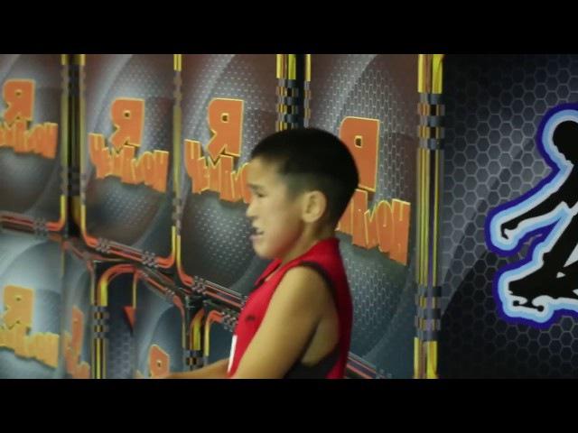 Мальчик из Казахстана взорвал весь интернет своим упорством к победе!! У зрителе...