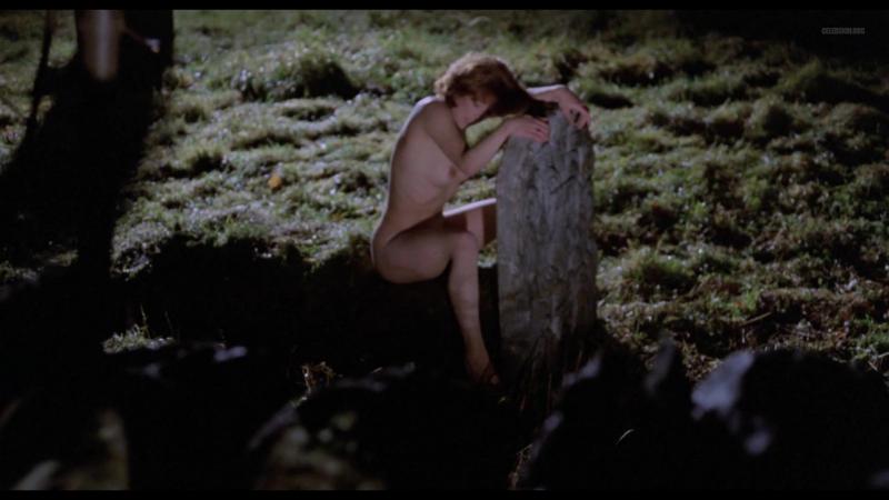 The wicker man naked girl scene — pic 4