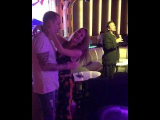 Саша Гозиас и Костя Иванов в Дубае танцуют под песни Стаса Михайлова