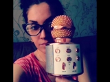 Демонстрация беспроводного блютуз микрофона со встроенными колонками