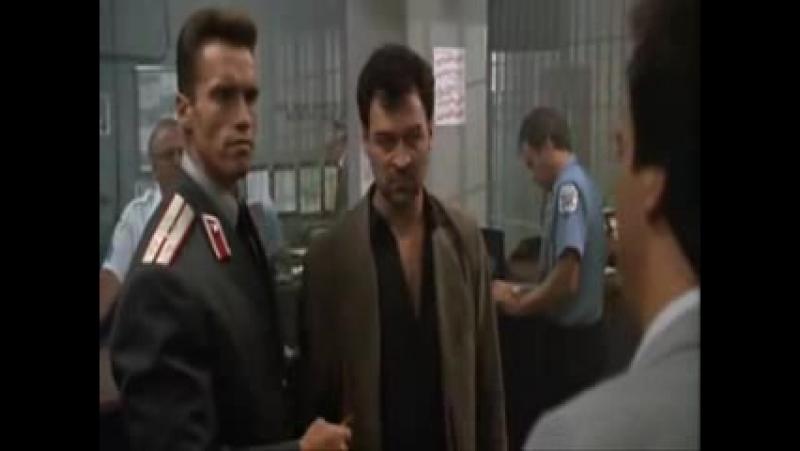 Красная жара х ф 1988 Иван Данко Шварценеггер советский милиционер и Виктор Роставели грузинский авторитет вор в законе