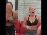 Девочки съели острый перец